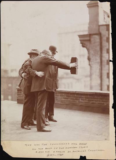 1920's selfie........
